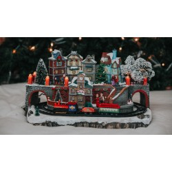 Light Up Christmas Large Village Scene with moving Train and Fibre Optics