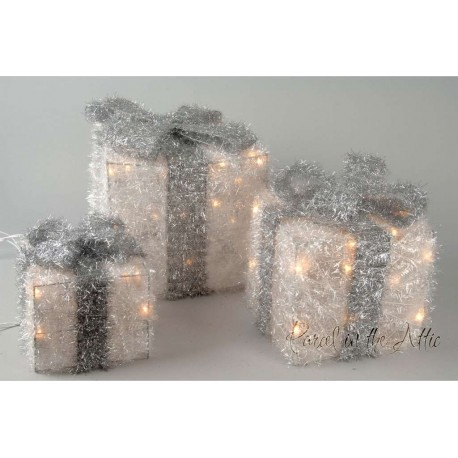 Sisal Gift Boxes with Pre-Lit Warm White lights and Ribbon in Silver